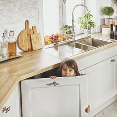 Black Red White - Senso Kitchens - Kuchnia 43rd Luvak Avenue  #brw #blackredwhite #kitchen #kitcheninspiration #kitchendesign #inspiration #home #homedecor #cooking #trend #grey #furniture #wood #interior