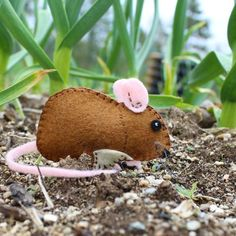 Download this printable pattern and make Downeast Thunder Farm's Gentle Garden Mouse.