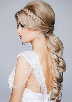 Elegant half-up-half-down bridal hair