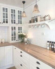 Check out this crucial picture and also visit the here and now knowledge on Small Kitchen Renovation Home Decor Kitchen, Kitchen Interior, New Kitchen, Home Kitchens, Kitchen Dining, Kitchen Cabinets, Kitchen Ideas, Dining Room, Vintage Kitchen
