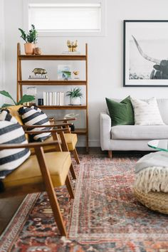 Nordic Living Room, Colourful Living Room, Cozy Living Rooms, Home Living Room, Living Room Designs, Living Room Furniture, Living Room Styles, Vintage Modern Living Room, Mid Century Modern Living Room