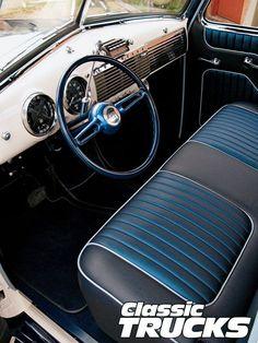 Chevy_3100_pickup_truckrestored_interior....