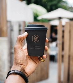 take away coffee cup design for coffee roaster in melbourne - San Pedro Coffee Coffee Shop Branding, Coffee Shop Menu, Coffee Shop Business, Coffee Logo, Coffee Packaging, Coffee Cafe, Roasters Coffee, Coffee Grinders, Product Design
