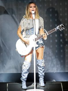 Maren Morris Takes Over Nashville's Historic Ryman Auditorium and Claims It as 'My Church' Country Music Artists, Country Singers, Music Love, New Music, Marren Morris, Chris Stapleton, 90s Hip Hop, Rite Of Passage