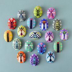 colorful kogin embroidery makes insect brooches as cute as mochi Sashiko Embroidery, Modern Embroidery, Hand Embroidery Designs, Embroidery Stitches, Japanese Embroidery, Year Of The Pig, Collage Artists, Embroidery Techniques, Stop Motion