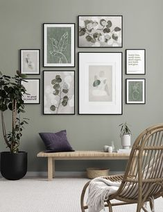 Find inspiration for creating a picture wall of posters and art prints. Endless inspiration for gallery walls and inspiring decor. Create a gallery wall with framed art from Desenio. Decor Room, Living Room Decor, Wall Decor, Home Decor, Desenio Posters, Inspiration Wand, Spacious Living Room, Large Living Rooms, Bedroom Colors