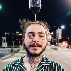 to He turned 24 years old Whats your favorite song of his via- worldstar Remember to Like/Comment and Share if you havent already for everything Rap Post Malone Lyrics, Post Malone Quotes, Post Malone Wallpaper, Artist Wall, Love Post, Hip Hop And R&b, American Rappers, Record Producer, Music Is Life