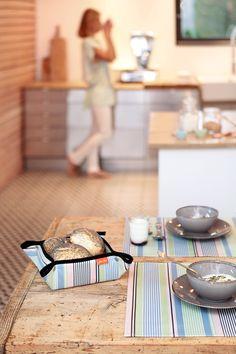 Panière à pain et set de table Olhette Gourmandise! >> http://www.jean-vier.com/