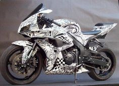 SHARPIE POWER!  Awesome Honda Sportbike with an artistic design made with a BLACK SHARPIE!