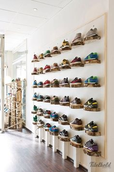 Titelheld Sneaker Shop Hamburg - Germany | snaces.com - best sneaker store guide Jeans And Sneakers, Best Sneakers, White Sneakers, Sneakers Fashion, Shoes Sneakers, Sneakers Style, Sneaker Boots, Adidas Sneakers, Shoe Store Design