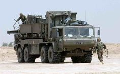 Military Pallets, Boxes and Containers – Part 9 Trucks and Trailers - Think Defence Army Vehicles, Armored Vehicles, Uk Arms, Royal Engineers, Tank Armor, British Armed Forces, Heavy Truck, Military Photos, Military Equipment