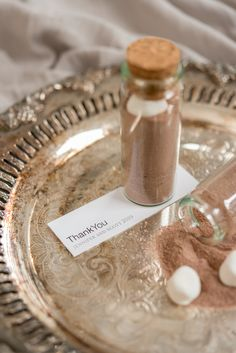 Give their wedding guests a stunning hot chocolate blend presented beautifully in a cute corked bottle. Perfect for a winter wedding favour Wedding Favours Fudge, Creative Wedding Favors, Winter Wedding Favors, Elegant Wedding Favors, Wedding Favors Cheap, Personalized Wedding Favors, Autumn Weddings, Purple Mason Jars, Cheap Candy