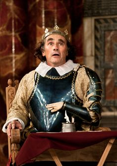 Richard III directed by Tim Carroll,  Mark Rylance as Richard III (C) Simon Annand     http://www.shakespearesglobe.com/theatre/on-stage/richard-iii-2012