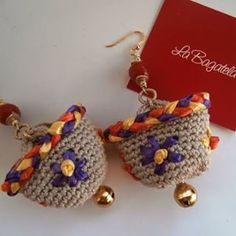 orecchini...coffa Jewel Box, Textiles, Diy Fashion, Quilling, Diy And Crafts, Crochet Earrings, Applique, Fashion Accessories, Handmade Jewelry