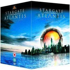 Stargate Atlantis  Het is geen gemakkelijke taak maken van een spin-off serie van wat later de langste voortdurend-running science fiction show aller tijden. En wanneer Stargate Atlantis uit Stargate SG-1 gesponnen weinigen ooit had verwacht te hebben bleek even goed als dit.Stargate Atlantis van oorsprong liggen onvermijdelijk in SG-1 specifiek de lopende verhaallijn in de originele serie te vinden van Atlantis. En dus vanuit een verhaal vertellen een deel van de basis al deed. Toch duurt…