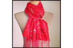 3386d0bba08b 89 meilleures images du tableau Foulard rouge   Cashmere wool, Color ...