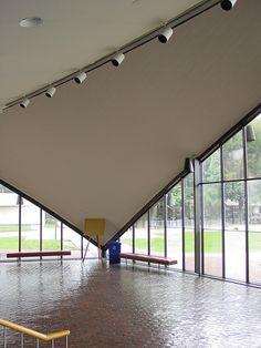Eero Saarinen: Kresge Auditorium interior