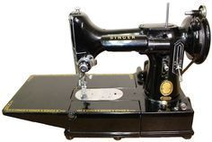 What Should You Pay for a Vintage Sewing Machine — Chatterbox Quilts Sewing Machines Best, Treadle Sewing Machines, Antique Sewing Machines, Sewing Machine Repair, Sewing Machine Tables, Sewing Tables, Vintage Sewing Notions, Vintage Sewing Patterns, Featherweight Sewing Machine