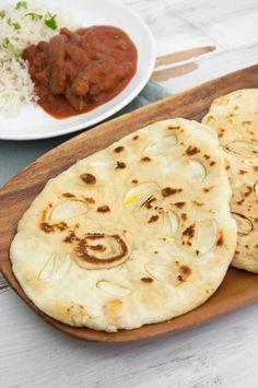 Indian Garlic Naan | ElephantasticVegan.com #naan #garlic #indian #bread #flatbread