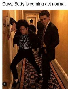 'Riverdale' Cole Sprouse Said the Show's Concept Was Originally His Worst Nightmare Kj Apa Riverdale, Riverdale Funny, Riverdale Memes, Laughing Funny, Sprouse Bros, Blake Steven, Cole Spouse, Riverdale Cole Sprouse, Betty And Jughead