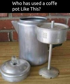 Percolator Coffee Pot -the best coffee ever. Remember my Dad making Coffee in one of these for work every day ! My Childhood Memories, Great Memories, Vintage Toys, Retro Vintage, Vintage Stuff, Vintage Candy, Vintage Images, Ol Days, Taste Of Home