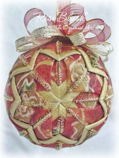 This ornament would make an absolutely gorgeous addition to a Victorian or ...theornamentgirl.com