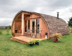 Luxury Hand Crafted Glamping Pods, Cabins & Garden Rooms - Trend Home Tiny House Cabin, Tiny House Design, Cabin Homes, Quonset Hut Homes, Garden Pods, Garden Cottage, Arched Cabin, Camping Pod, Tent Camping