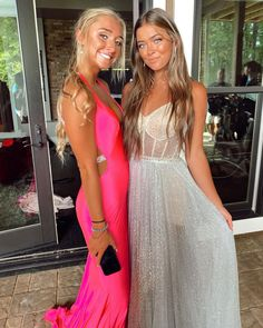 Beaded Evening Gowns, Prom Poses, Dream Prom, School Dances, Prom Dresses, Formal Dresses, Dress Ideas, Special Occasion, Seasons