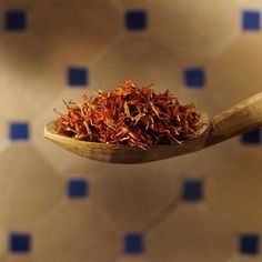 Health Benefits of Saffron Tea! Making Saffron Tea is easy. Use three threads of saffron or less, toss into hot water, and steep for a minimum of 20 minutes. Add a cinnamon stick to reduce bitterness.