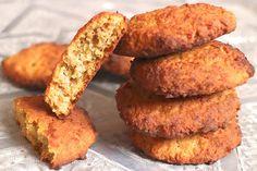 Sehr feine und fluffige Low Carb Karotten-Cookies mit Zimt und Muskatnussabrieb gewürzt. Perfekt für den winterlichen Low Carb Genuss.