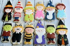 Adorable little Halloween trick-or-treaters by Color Me Cookie