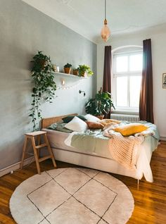New color, new happiness - bedroom makeover with Fridlaa- Neue Farbe, neues Glück – Schlafzimmer Makeover mit Fridlaa There& no denying it: our bedroom has … - Home Bedroom, Room Decor Bedroom, Living Room Decor, Master Bedroom, Mirror Bedroom, Warm Bedroom, Bedroom Small, Urban Bedroom, Bedroom Furniture