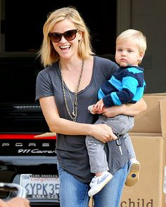 Tenn's Ready for Santa Reese Witherspoon took toddler Tennessee to a baby class in Santa Monica Dec. 18.