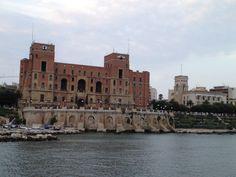 Palazzo del Governo (lungomare nuovo Taranto)