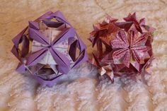 Versão com 12 papéis de Kusudama JASMIM DOS POETAS e Kusudama HANAMI realizados por Erika Karnauchovas, 2013