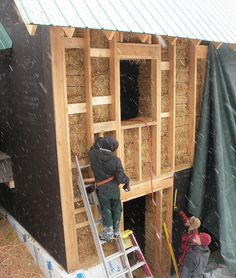 Straw-Bale Walls for Northern Climates - A 'third generation' straw-bale technique combines a straw-bale interior wall with an exterior stud wall insulated with cellulose