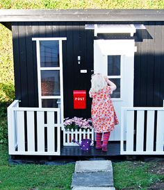 I love the post box!!! Need this for my little girl!
