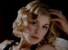 Rosamund Pike, Shiloh Fernandez, and Nick Nolte Join 'Return to Sender' Rosamund Pike, Hollywood Actresses, Actors & Actresses, Gorgeous Women, Beautiful People, Gorgeous Hair, Shiloh Fernandez, Bond Girls, Mary Elizabeth