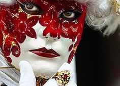 Red and white with a red lace mask, Carnevale Venice Carnivale, Venice Mask, Venetian Carnival Masks, Carnival Of Venice, Carnival Food, Carnival Cakes, Carnival Costumes, Theme Tattoo, Lace Mask