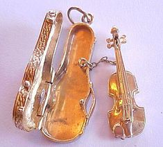 14k Gold Charm Violin In Case Removable With Bow