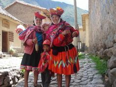 Google Image Result for http://rischmoller.files.wordpress.com/2012/03/traditional-peruvian-clothing.jpg