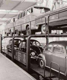 """Loading """"new"""" 1955 Beetles and Buses at Wolfsburg factory. Volkswagen Factory, Porsche Factory, Volkswagen Bus, Vw T1, Vw Vintage, Vintage Porsche, Vintage Trucks, Vw Caravan, Vw Camper"""