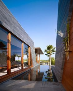 Contemporary Kona Residence designed by Santa Monica's Belzberg Architects located in Kona, Hawaii. Beautiful property … enjoy the gallery via Home Adore.