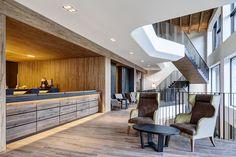 PORTFOLIO STUDIO SIMONETTI: Lounge bar@Grand Hotel Courmayeur Mont Blanc, 5 star, architectural and interior design project, credits Diego De Pol su gentile concessione di Sviluppo Relais du Mont Blanc S.p.A. #grandhotelcourmayeurmontblanc #progettazionealberghiera #progettohotel #hoteldesign #progettoloungebar