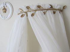 Conjunto de Dossel de Folhas com Mosquiteiro <br> <br>Mosquiteiro mede 2,30 x 6m - cobre um berço ou cama de solteiro <br>Tecido Voil Perolado <br>Podemos confeccionar em tecido branco