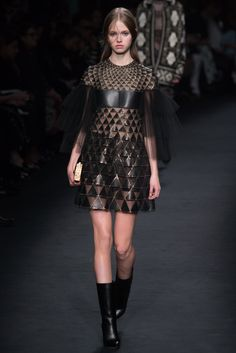 Valentino - Fall 2015 Ready-to-Wear - Look 47 of 84