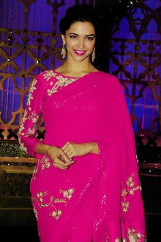Deepika in pink..#sexy Saree look.. Can't beat the figure of #DeepikaPadukone http://www.shaadiekhas.com/blog-wedding-planning-invitation-wordings/dress-for-the-occasion/