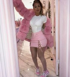 Imagen de pink, fashion, and outfit Dope Outfits, Fashion Outfits, Womens Fashion, Fashion Trends, Pink Fashion, Bad And Boujee Outfits, Luxury Fashion, Fashion Tips, Extensions Ombre