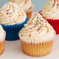Vanilla Cupcake Recipes Uk, Butter Cupcake Recipe, Gluten Free Vanilla Cake, Easy Vanilla Cupcakes, Cake Mix Cupcakes, Butter Cupcakes, Easy Cupcake Recipes, Cupcakes With Cream Cheese Frosting, Banana Cupcakes