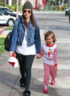 Kourtney Kardashian - Movie Date with Kris Jenner, Penelope and Scott Disick to see Disney's Frozen
